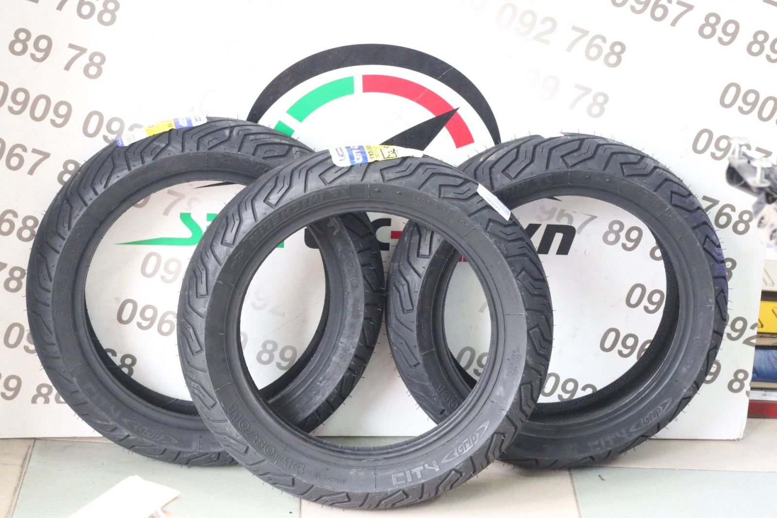 Vỏ Micherlin gai City Grip size 14 STD-649 Michelin