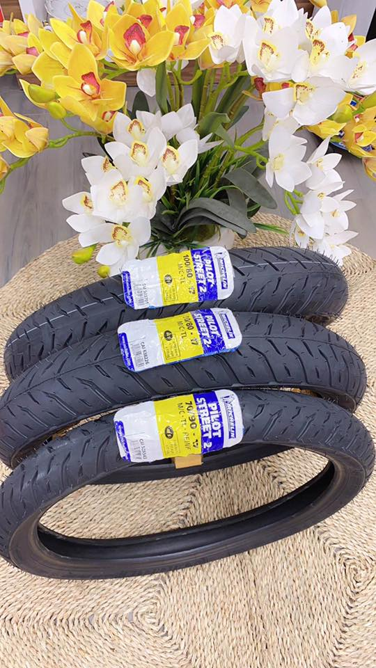 Vỏ Michelin 70/90-17 Pilot Street 2 STD-1338 Michelin